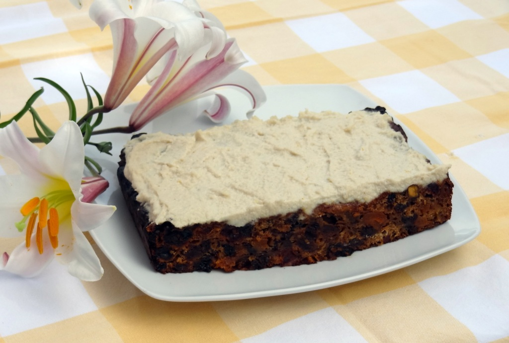 Christmas Cake with Creamy Cashew Icing